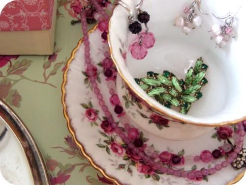 Vintage tea cup jewelry organizer