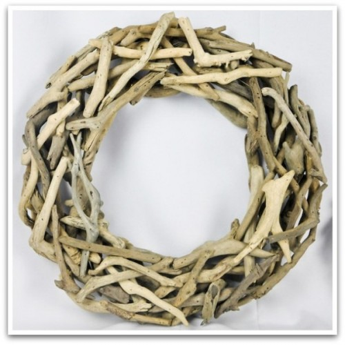 Driftwood wreath via Decorative Branches