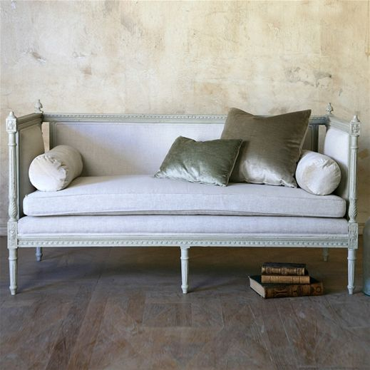 Eloquence Swedish Settee via Layla Grayce