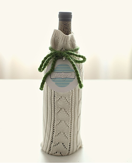 Knit wine bottle Christmas wrap