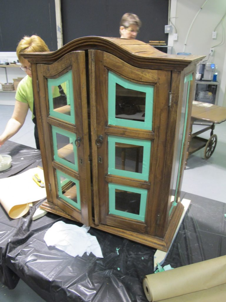 Annie Sloan Chalk Paint - Furniture Refinishing Class