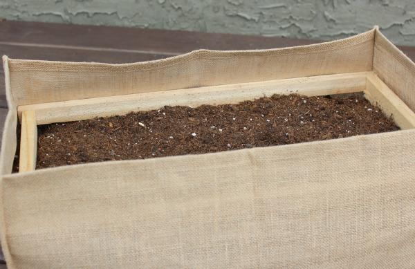 Bracing for Burlap Garden Bag