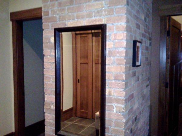 901 Fernie Condo Entrance
