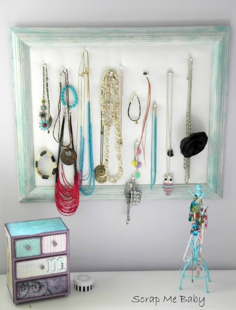 Girl's Room Jewelry Organization - DIY Picture Frame Jewelry Hanger