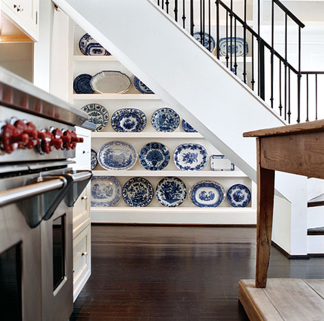 Decorating crush blue white satori design for living - Decorating with plates in kitchen ...