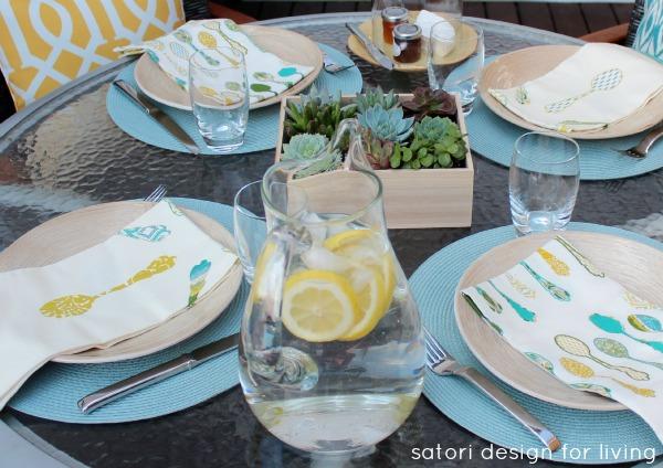 Outdoor Brunch Tablescape - Outdoor Entertaining Ideas