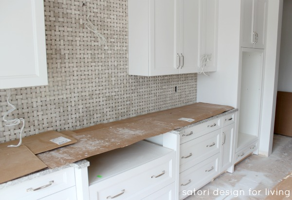 White Kitchen with Marble Backsplash Construciton_2