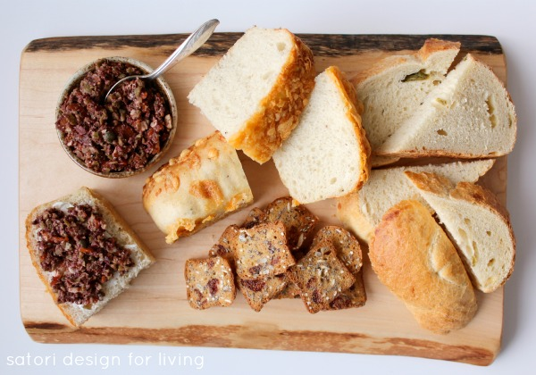 Check out these quick and easy entertaining ideas for the Christmas season, plus a simple recipe for delicious olive tapenade.