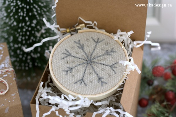 hand-stitched-snowflake-embroidery-hoop-ornament