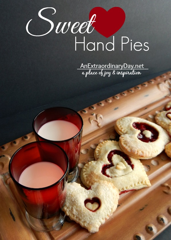 Sweet-Heart-Hand-Pies-for-Valentines-Day-Treats-AnExtraordinaryDay.net