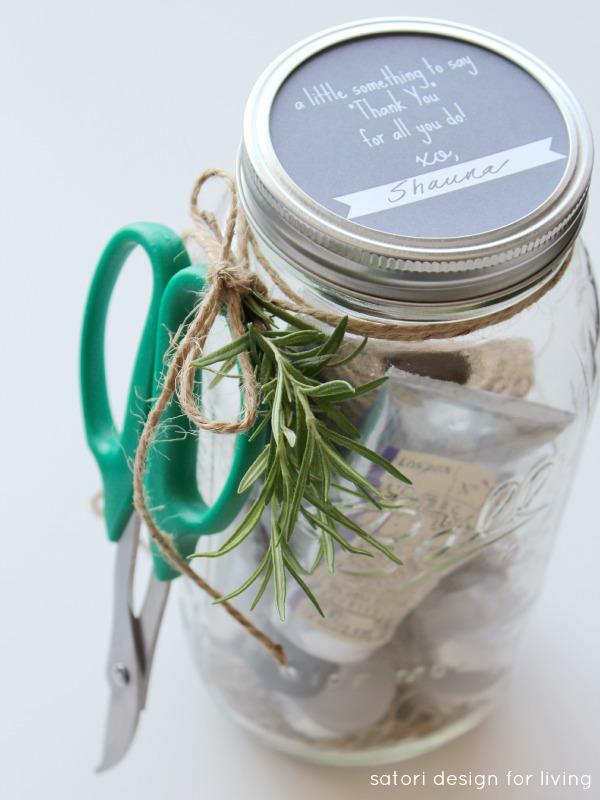 Garden Themed Hostess Gift with Gift Tag Mason Jar Printable | Satori Design for Living