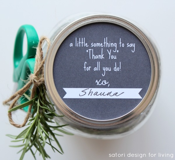 Free Gift Tag Printable for Mason Jar Lid - Garden Themed Gift in a Jar - Satori Design for Living