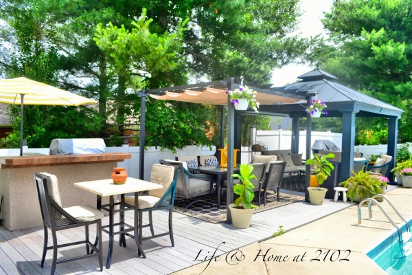 Outdoor Oasis - Backyard Decorating