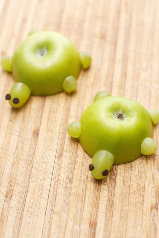 Apple Turtle Healthy Kids Snack - Spaceships and Laserbeams