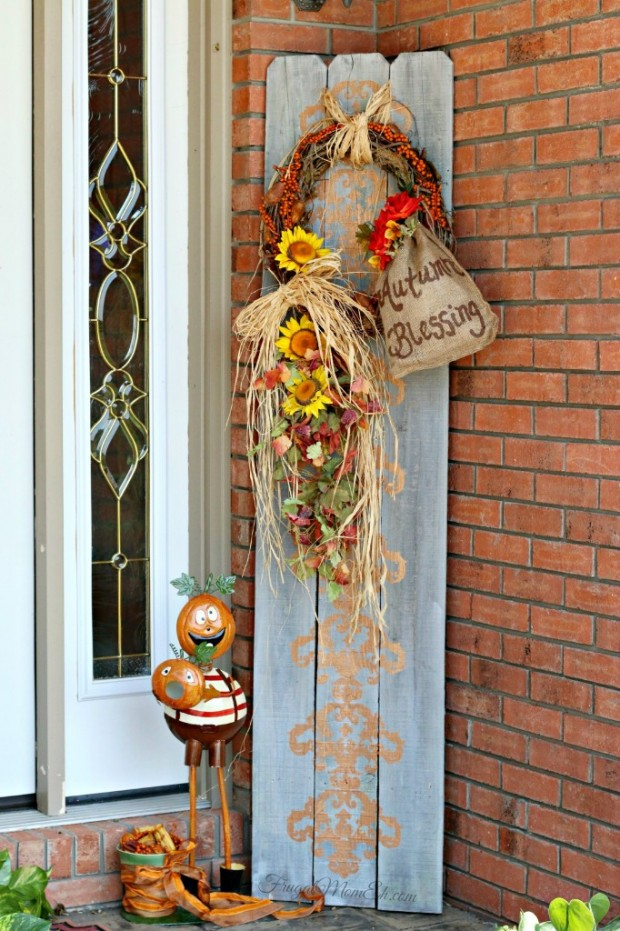 Autumn Front Porch Decor with Repurposed Fence Boards by Frugal Mom Eh