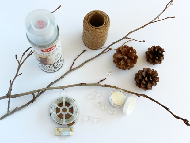 Make these decorative twig and pinecone sprays for your Christmas Tree!