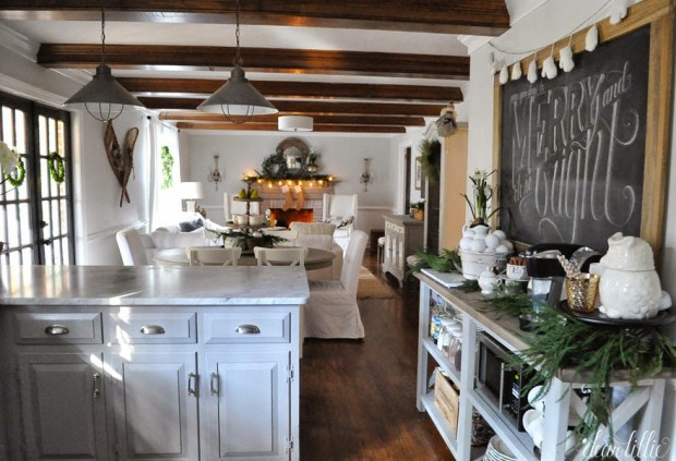 Christmas Inspiration - Kitchen Decorated for the Holiday season - Dear Lillie