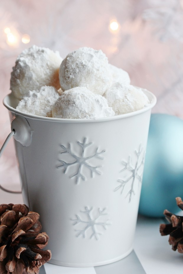 snowball-cookie-recipe | Setting for Four
