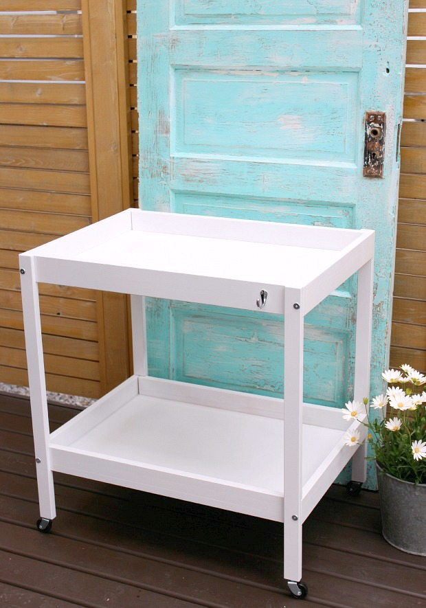 IKEA Hack Bar Cart - How to transform an IKEA Sniglar baby changing table in to a drink cart for outdoor entertaining - Satori Design for Living