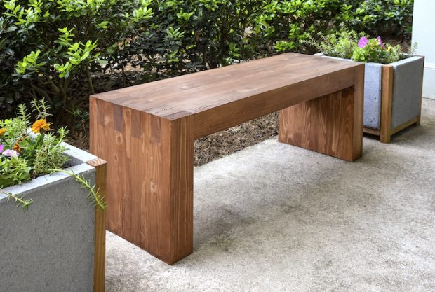 Modern DIY Outdoor Wood Bench - DIY Candy