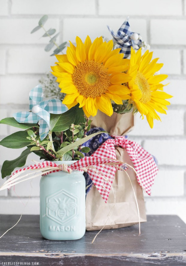 Decorating Outdoor Spaces- Texas Themed Centerpieces by The Blissful Bee