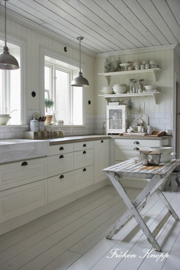 White Cottage Style Kitchen - Froken Knopp
