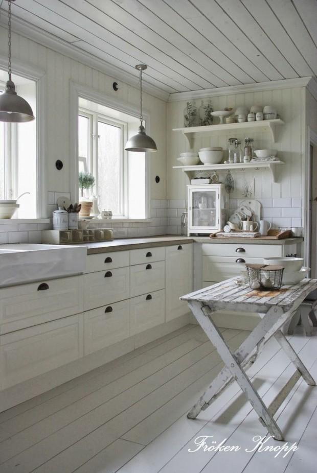 White Cottage Style Kitchen - Froken Knopp