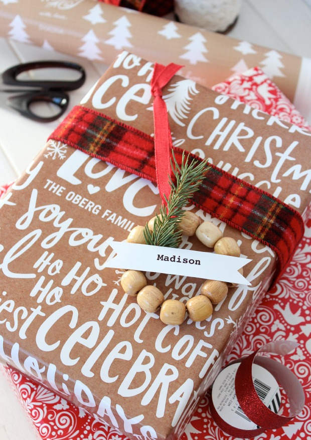 Mini Wreath Gift Tags - Personalized Gift Wrapping Ideas - Gift Embellishment - SatoriDesignforLiving.com