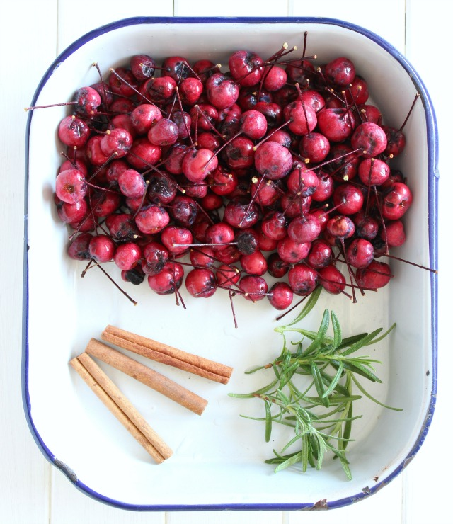 Make this fall simmer pot using crabapples from your tree, cinnamon sticks and rosemary. Smells divine!
