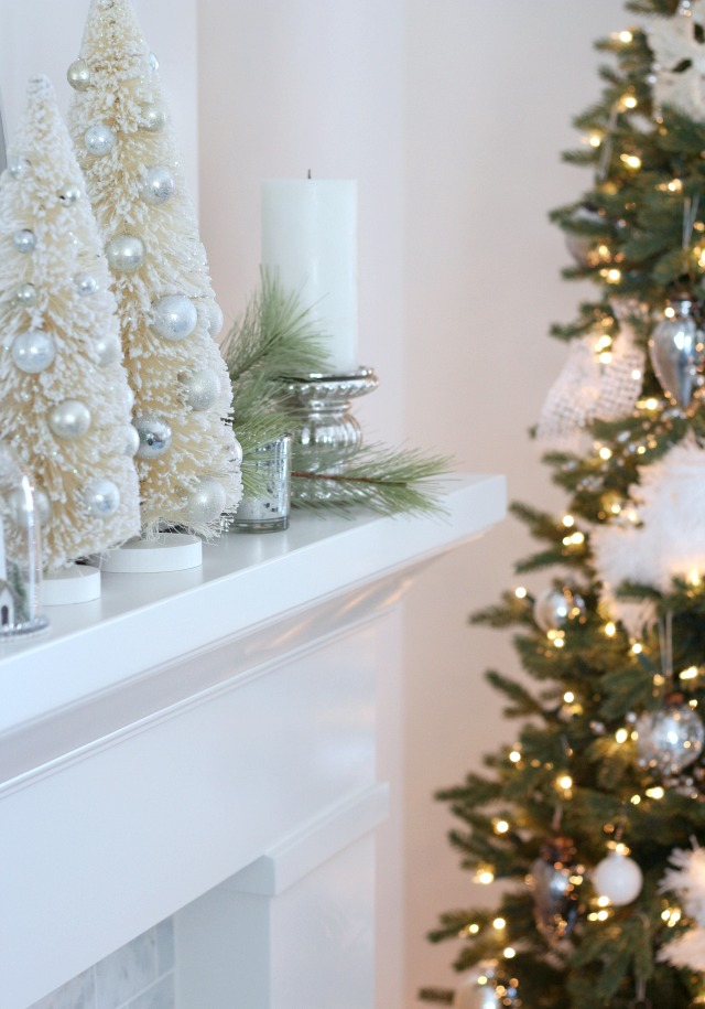 Christmas Home Tour - Winter Wonderland Christmas Tree and Mantel