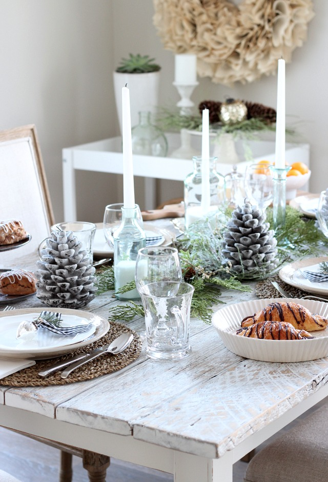 Christmas Table Setting for Breakfast or Brunch - Nature-inspired Holiday Tablescape