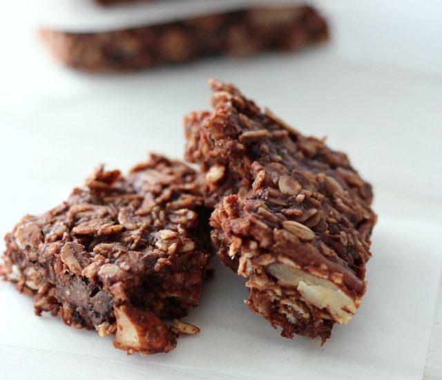 Chocolate Oat Breakfast Bars - Gluten-free and Dairy-free - Homemade Energy Bar Recipe