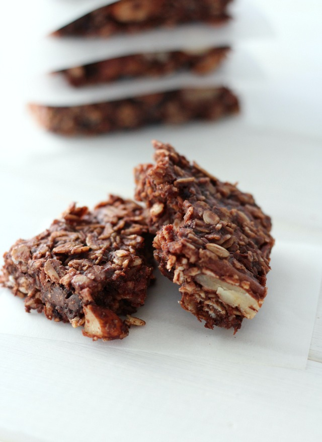 These gluten-free, dairy-free chocolate oat breakfast bars are perfect for busy mornings or after-school snacks. Wholesome, filling and delicious!