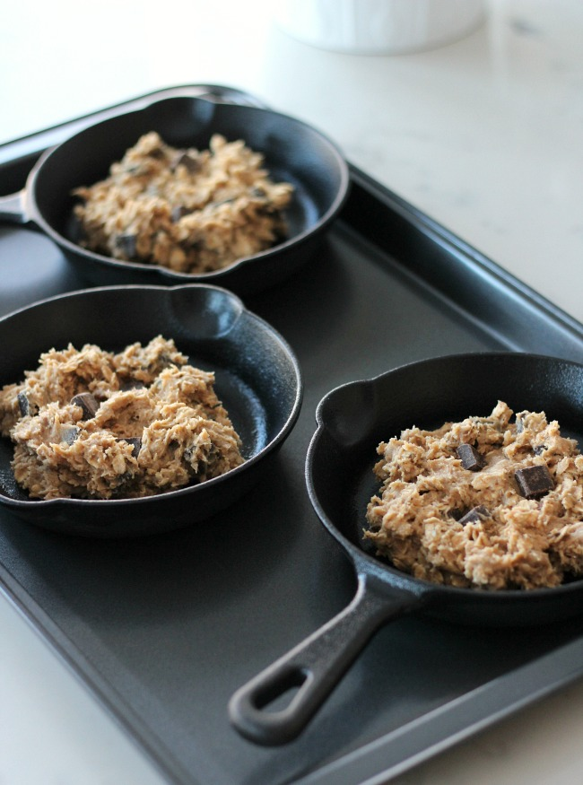 Cast Iron Skillet Recipes - Oatmeal Chocolate Chunk Mini Skillet Cookies