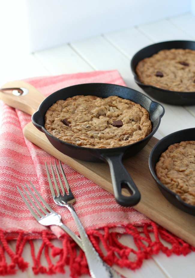 Skillet Cookies - Oatmeal Chocolate Chunk
