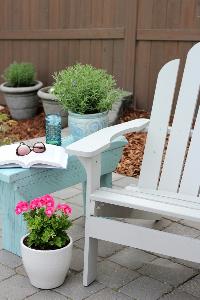 DIY Reclaimed Wood Outdoor Side Table - Aqua Blue Outdoor Paint by Behr Opal Silk