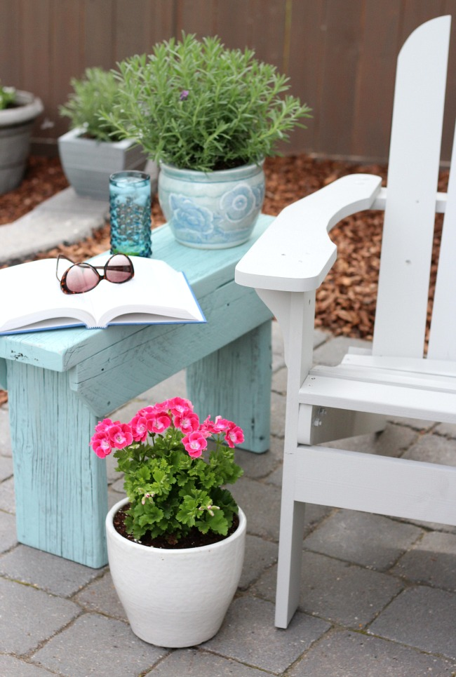 DIY Farmhouse Style Outdoor Side Table - Aqua Bench by Satori Design for Living