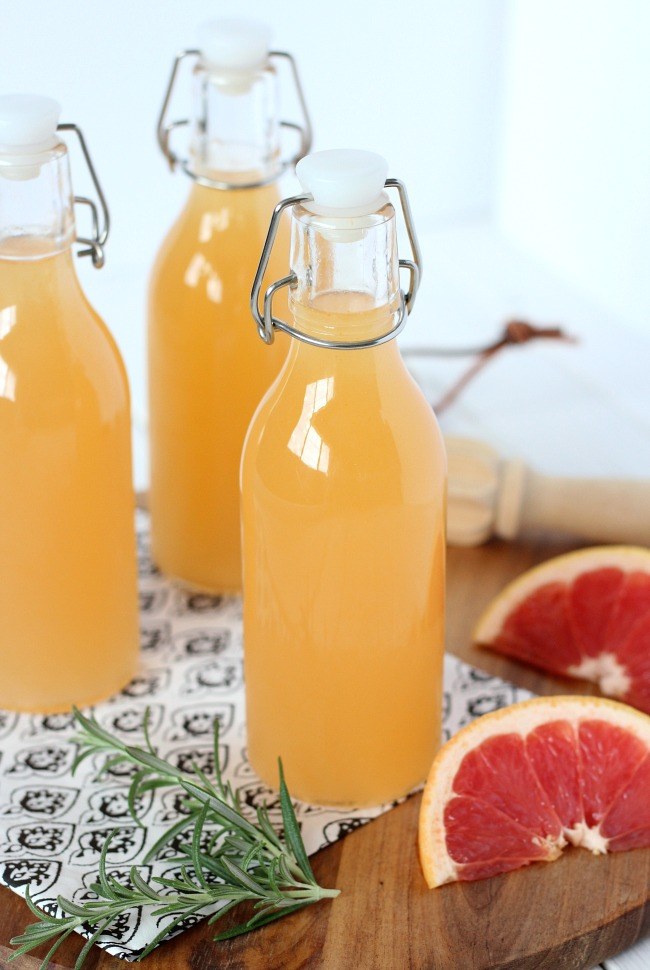Summertime Drinks - Fresh Grapefruit Vodka Spritzer in Mini Bottles