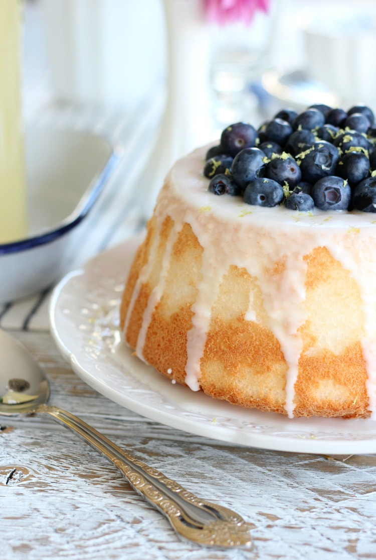 Pretty Angel Food Cake Stuffed with Lemon Curd and Fresh Blueberries