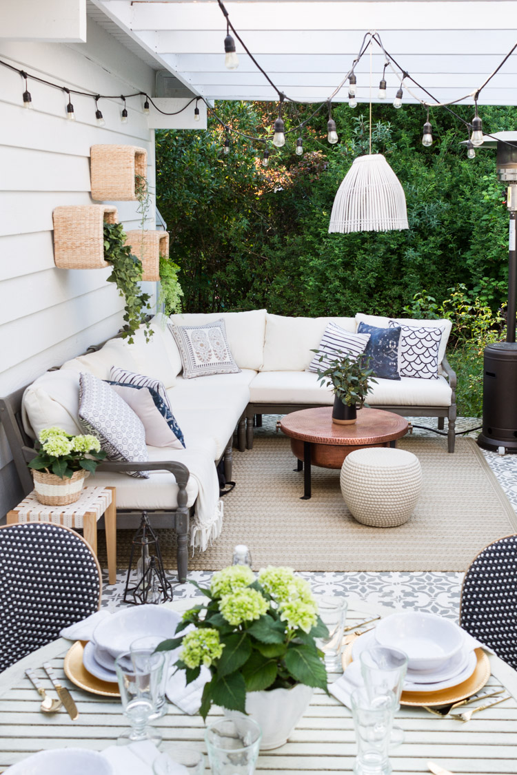 Outdoor Decorating and Entertaining Ideas - Zevy Joy #Outdoor Extravaganza