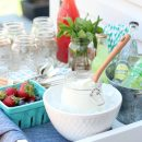 Hosting an outdoor party? Put together an ice cream float bar for dessert. A fun, easy and delicious outdoor entertaining idea!