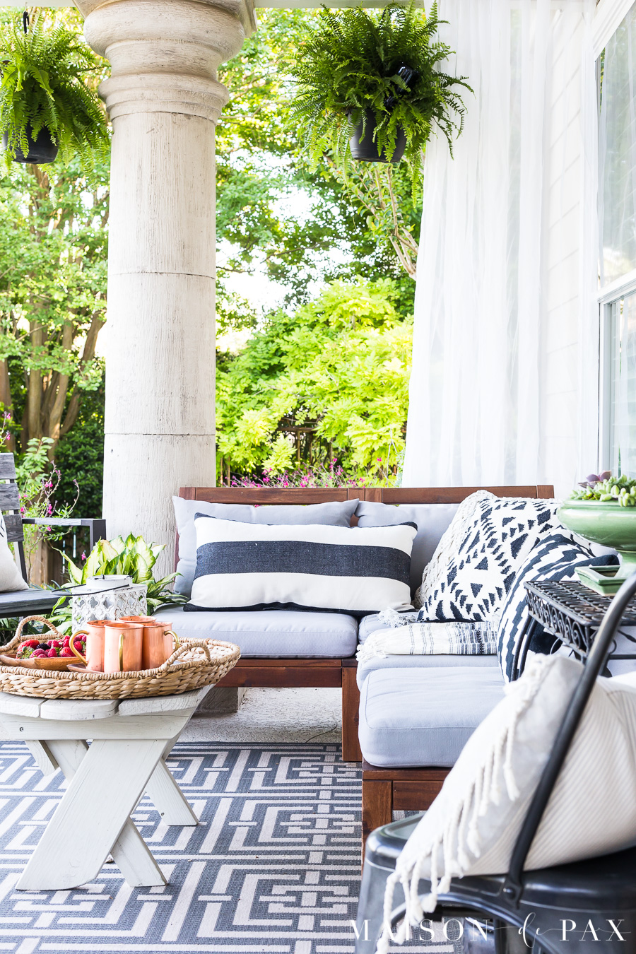 Summer Porch Decor Ideas - Maison de Pax #OutdoorExtravaganza