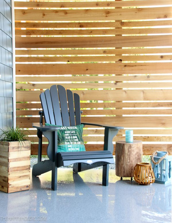 How to Build a Cedar Privacy Screen - The Happy Housie #OutdoorExtravaganza