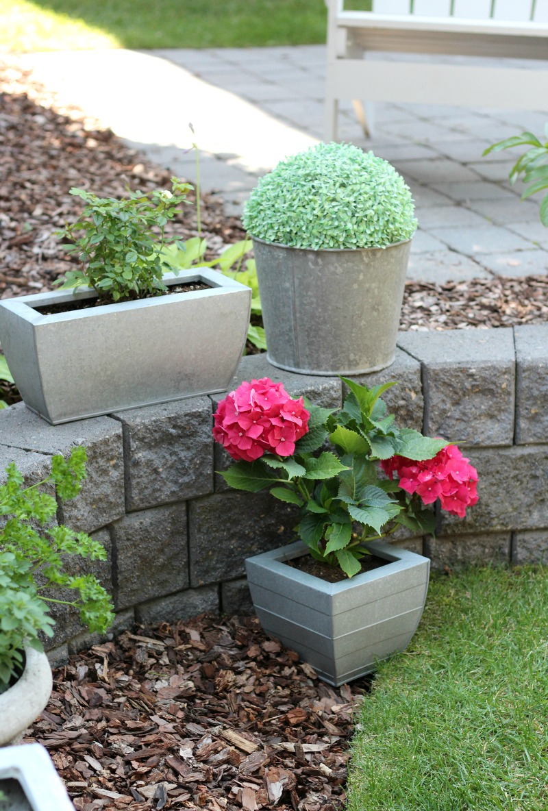These Outdoor Planter Ideas Are A Quick And Easy Way To Add Character And  Curb Appeal To Your Front Porch Or Back Yard.
