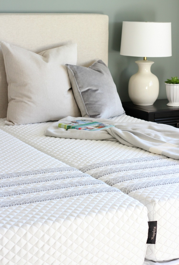 Getting Ready for Overnight Guests this Christmas - Sapira Mattress by Leesa