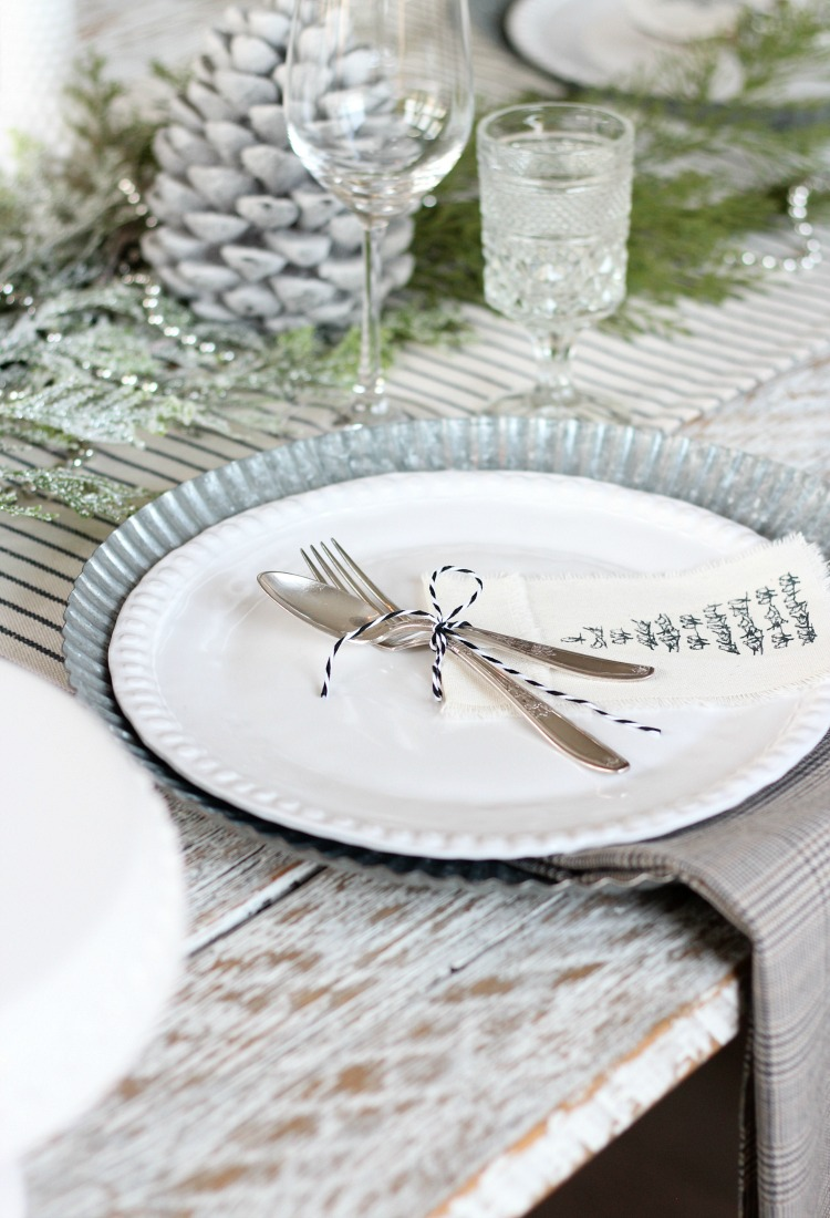 Easy Fringe Napkins for Your Holiday Table - DIY Frayed Edge Napkins by Satori Design for Living