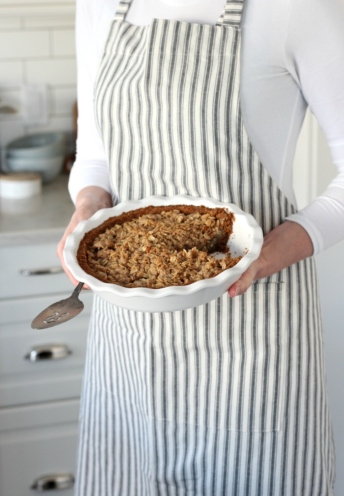 Gluten Free Apple Pie Recipe with Ginger Crust, Tangy Apples and Oat Crumble Topping