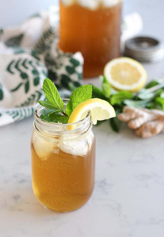 Ginger Mint Iced Tea in Mason Jar
